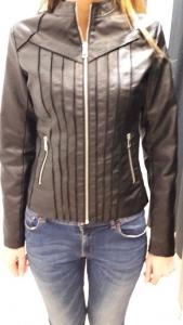 Sb 23 Fekete átmeneti kabát
