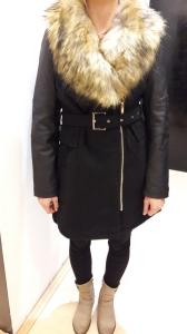Sb 06 Fekete kabát
